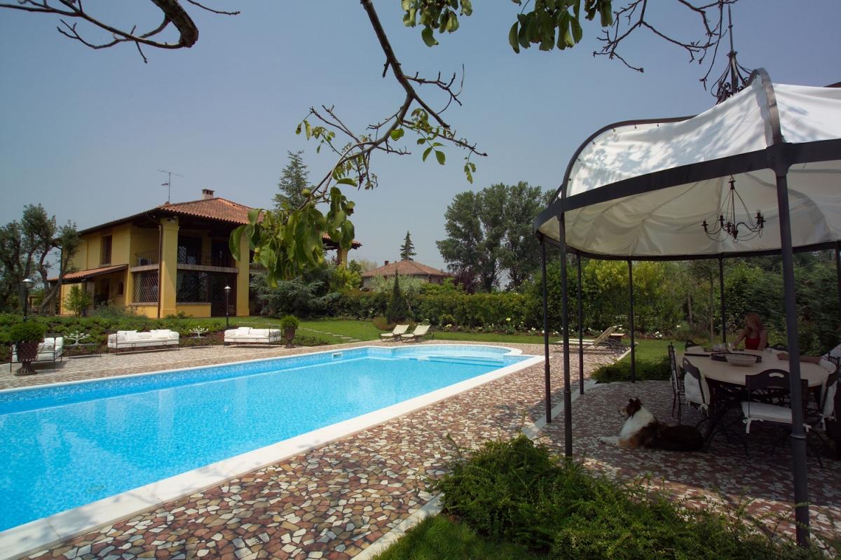 Piscina Su Terreno In Pendenza consigli sulla piscina in pannelli d'acciaio   ladivinapiscina