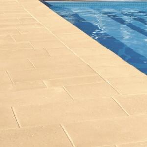 Collegiale bordi e pavimenti per piscina ladivinapiscina for Bordi per piscine prezzi