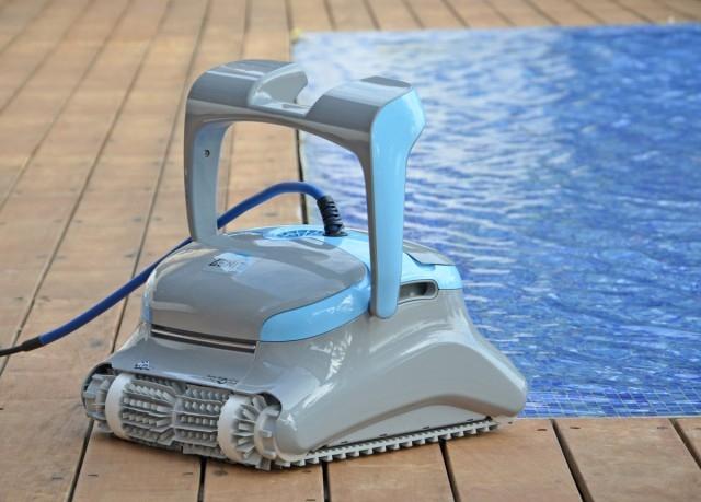 Robot per piscine pulitore maytronics dolphin zenit 20 for Robot piscine dolphin zenit 20