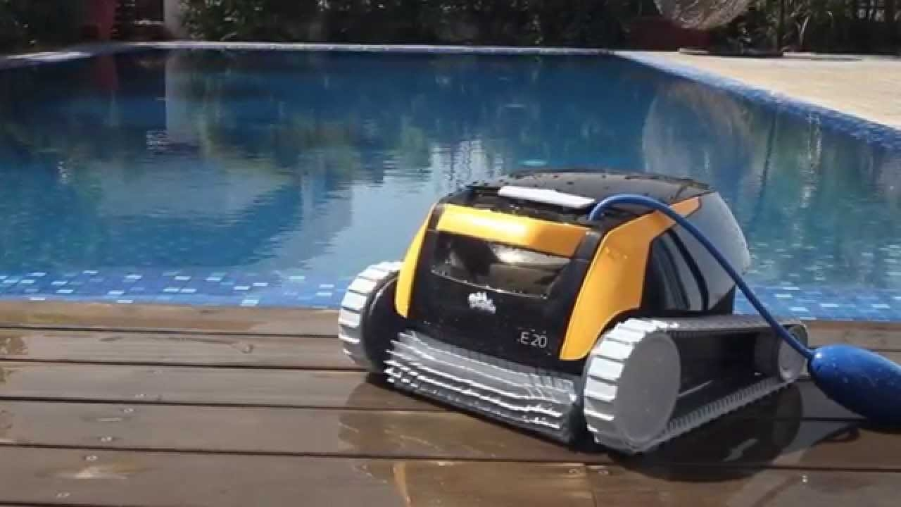 Robot per piscine pulitore maytronics dolphin e20 for Robot piscine maytronics