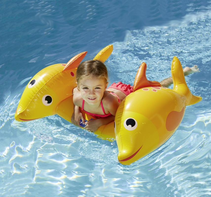 Tavoletta pesce gonfiabile surf poisson kerlis for Pesci finti per piscina